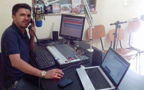 Adailton Santana radio